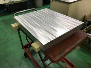 大きな金属切削加工